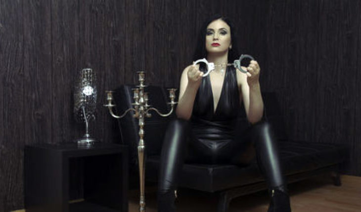 ball busting on fetish cams