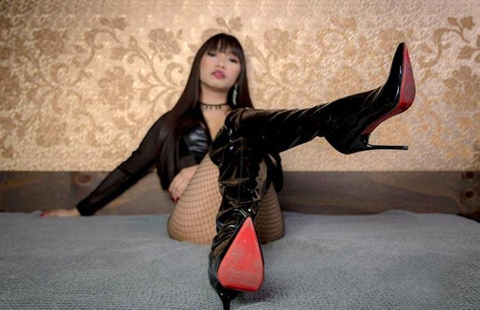 asian fetish cam girl