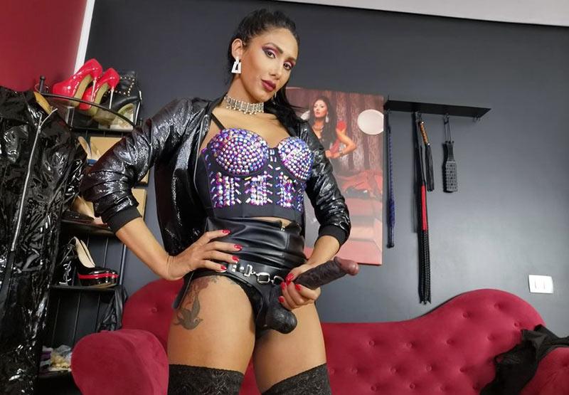 Strapon dominatrix