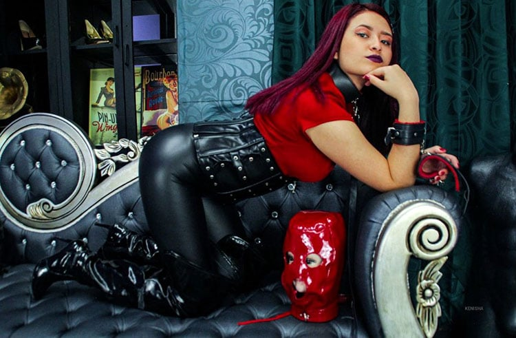 dominant young web cam girl